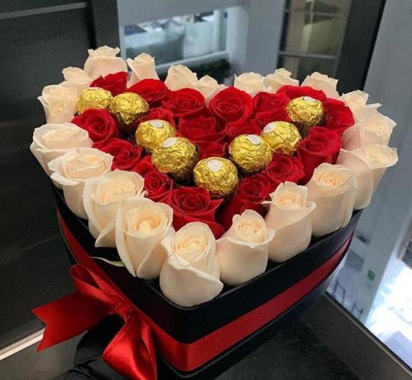 corazon de rosas naturales