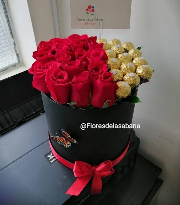 ROSAS EN CAJA CON CHOCOLATES BOGOTA